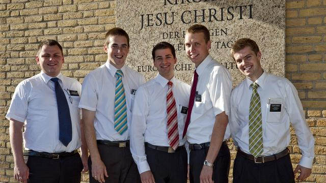 5 missionaries by Church name   2009 09 12 1380