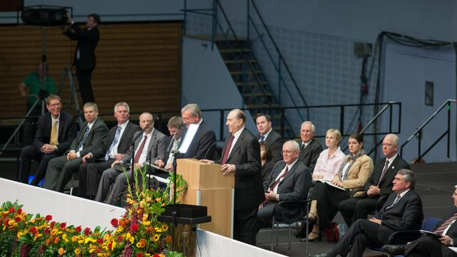 President Monson on podium in Hamburg