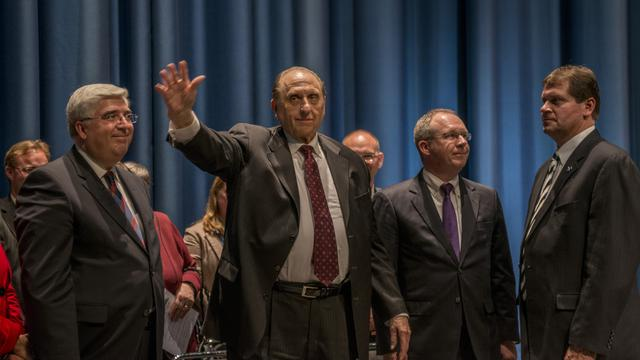 President Monson waves to crowd at ICC Berlin high res